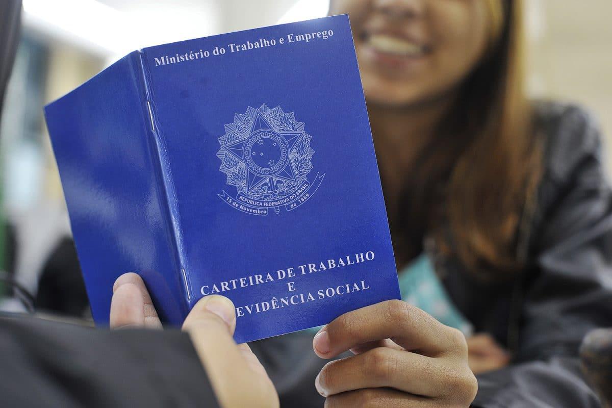 Coronavírus: prefeitura do Rio de Janeiro abre processo seletivo para 3.922 vagas de níveis médio, técnico e superior