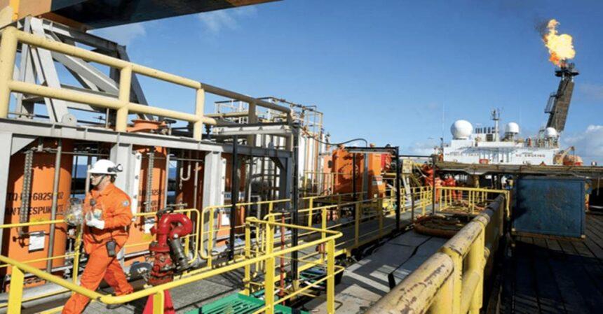 Coronavírus: refinarias da Petrobras operam com 60 por cento de capacidade
