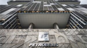 Petrobras atrai alta demanda e levanta 3,5 bilhões de dólares com títulos globais
