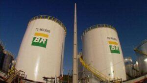 Petrobras recorre a terceiros para armazenar excesso de combustível