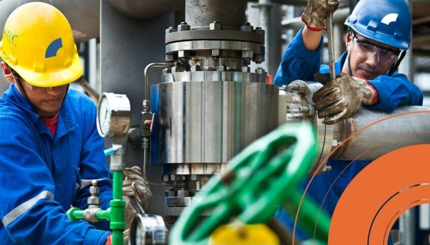 Na antiga base da UTC Engenharia em Macaé, a Heftos inicia cadastro de currículo em diversas funções para futuras vagas offshore