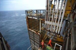 Em contrato Petrobras, Infotec recebe currículos neste dia (17) para vagas de emprego offshore e onshre em Macaé e Rio de Janeiro