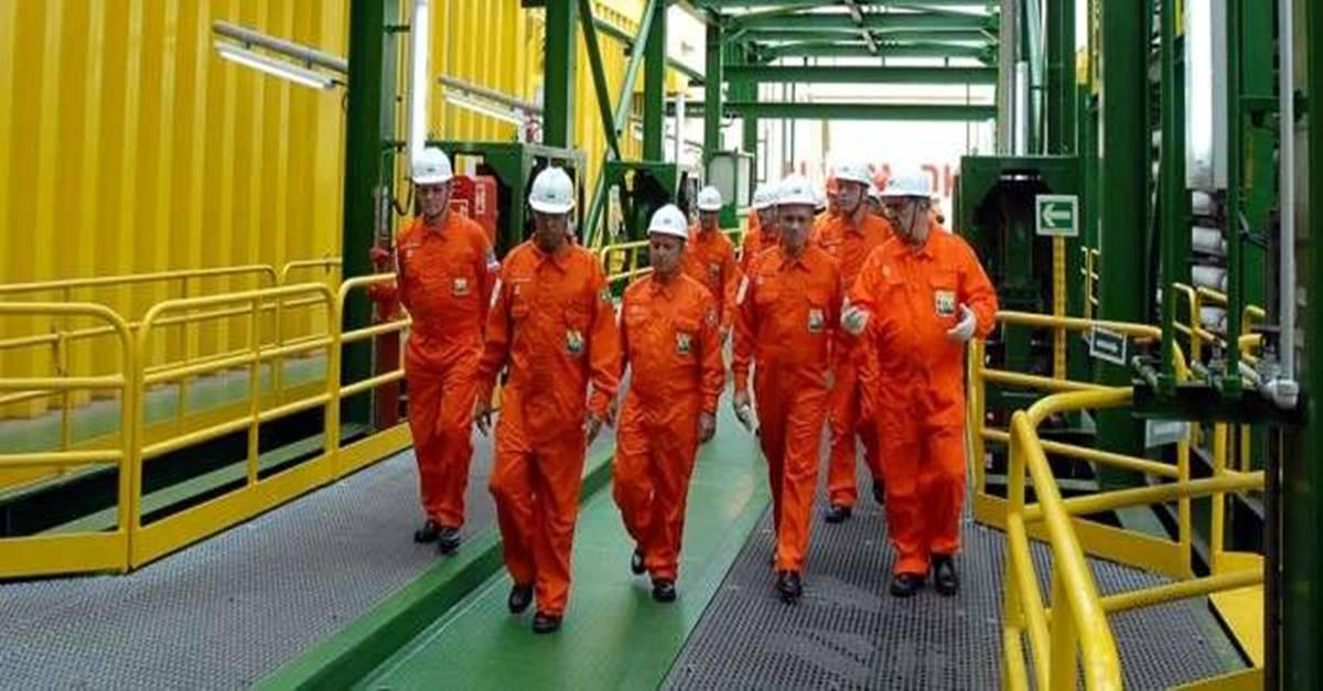 Petrobras anuncia plano para diminuir seu quadro de marítimos na Transpetro