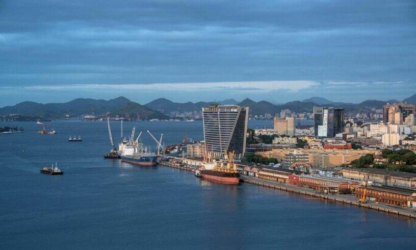 Kerui Método atrasa pagamento e equipamentos do Comperj ficam parados no Porto do Rio