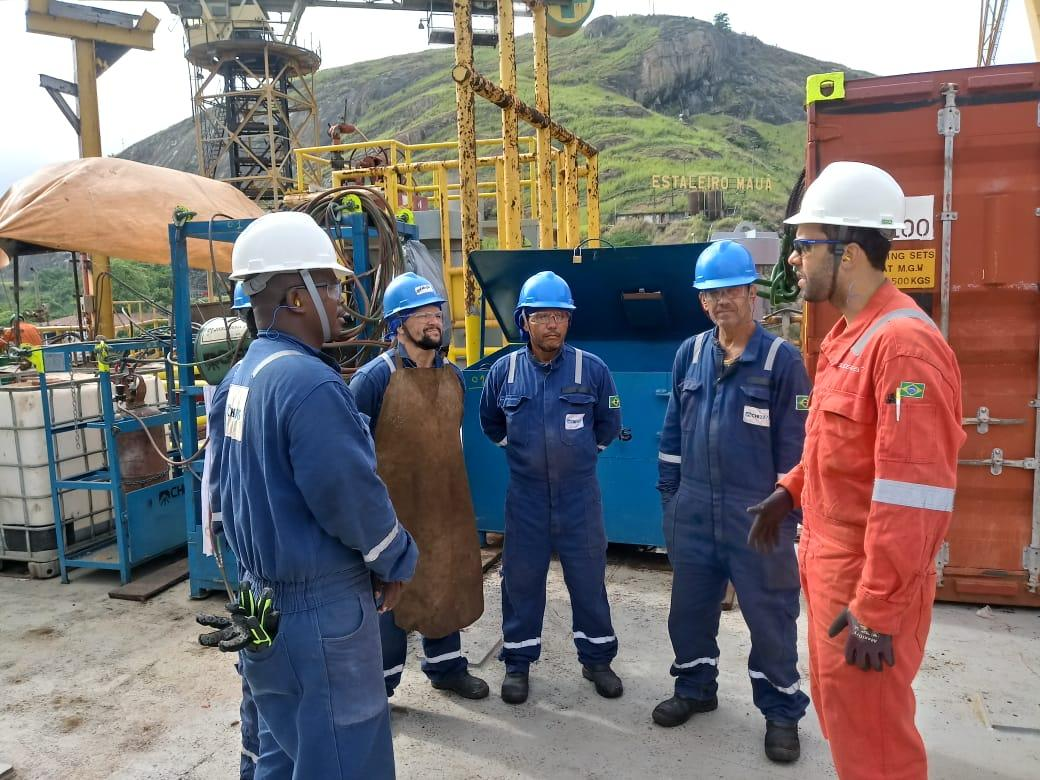 Prestadora de serviços no setor de óleo e gás contrata técnicos para Macaé, hoje 07 de julho