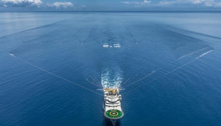 Empresa do Grupo Edison Chouest iniciou ontem (31/06) cadastro de currículo para vagas offshore no Porto do Açu, Rio de Janeiro