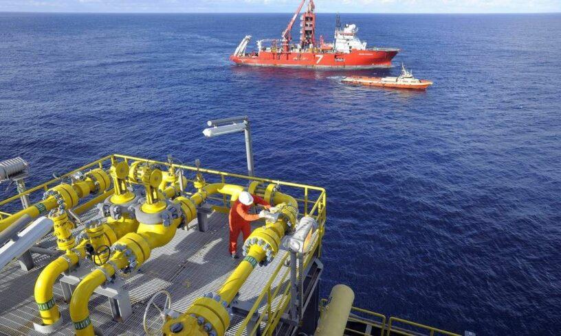 Contratos em prestadora de serviços de óleo e gás para atividades offshore na cidade de Macaé demanda vagas de emprego hoje, 17 de julho