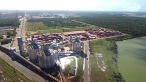 usina termoelétrica no porto de Vila do Conde no pará