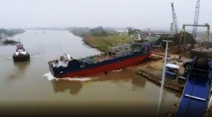 Construção naval do Brasil: Estaleiro Detroit de Itajaí, em Santa Catarina lança navio inédito para transportar pescado vivo