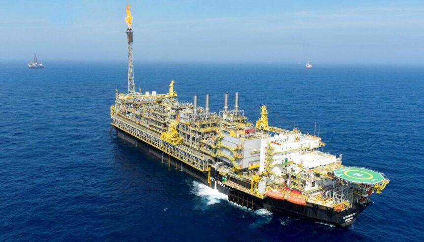 Petrobras alcança novo recorde de produção de petróleo no campo de Búzios, na Bacia de Santos