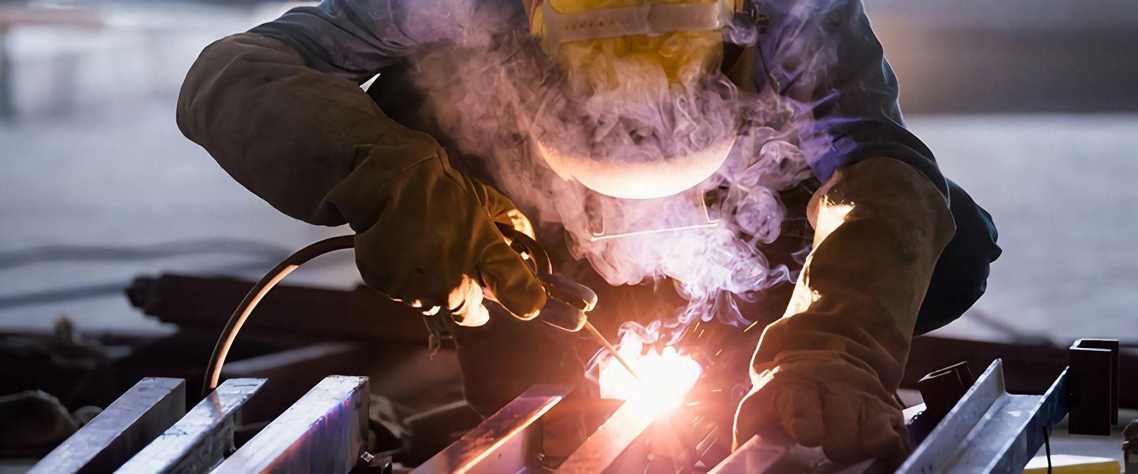 Muitas vagas de emprego na multinacional de origem japonesa Sankyu para atender contratos da siderúrgica ArcelorMittal em agosto e setembro, em João Monlevade - MG
