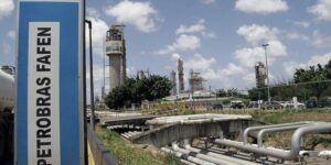 Cadastro de currículo em todas as funções para vagas de emprego em fábricas da Petrobras de fertilizantes nitrogenados da Bahia e de Sergipe (Fafen), hoje 14 de agosto