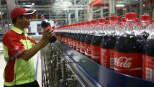 Coca-Cola FEMSA está com 55 vagas de emprego abertas para os cargos de técnicos, analistas, promotores, operadores e mais