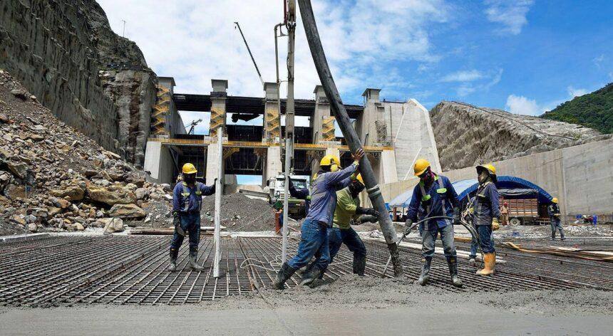 Servente, Pedreiro, Eletricista, Encanador, Técnico, Engenheiro e mais vagas para obras de construção civil e saneamento em Recife – PE
