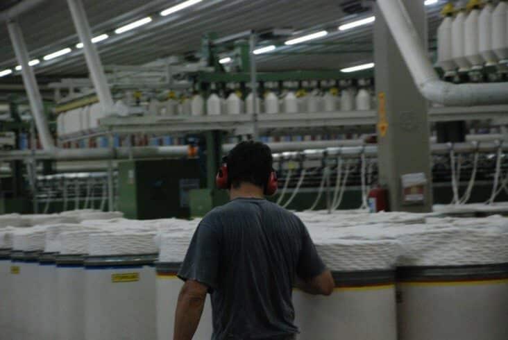 Empregos nível fundamental, médio, técnico, superior, fábrica têxtil, Rio Grande do Sul