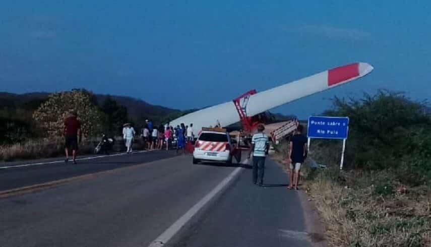 Pá hélice eólica acidente ceará mortos carreta