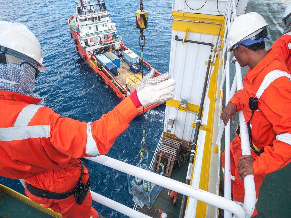 Multinacional de recrutamento no setor de óleo e gás abre vagas offshore para atender contrato temporário, neste dia 14