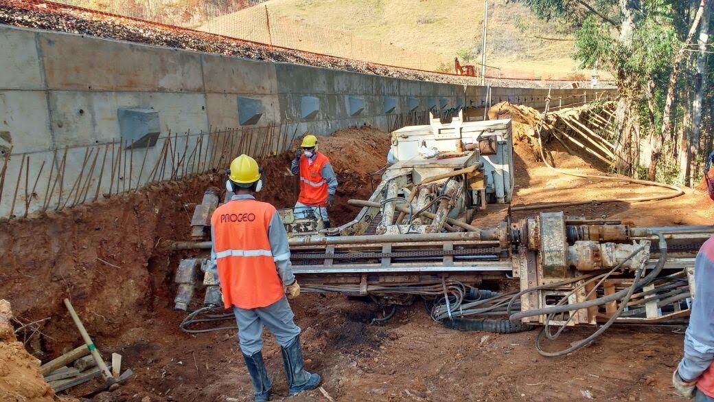 Empresa da construção civil pesada contrata para vagas de emprego em obras profissionais com disponibilidade total de viagens em todo o Brasil