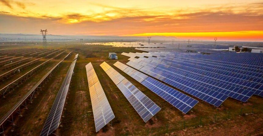 Diretor da Aneel revela investimento bilionário em energia solar na Paraíba com expectativa de gerar 50 mil empregos na região até 2025