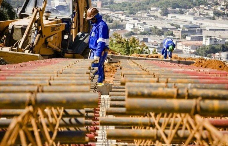 Currículo nas mãos ou via e-mail para concorrer à 80 vagas de emprego de ensino fundamental, médio e superior na construção civil e outras áreas para trabalhar na Paraíba