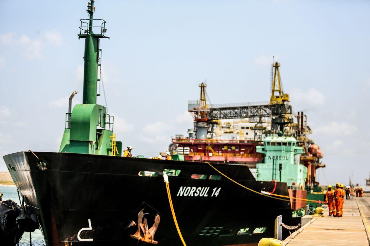 Porto do Açu e Companhia de Navegação Norsul começam a operar novo serviço de transporte marítimo