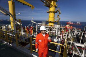 Petrobras; vagas de emprego offshore; Macaé; refinaria REFAP; RS