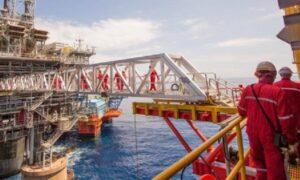 duzentos mil empregos offshore em Macaé no setor de petróleo, óleo e gás
