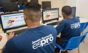 Abertas as inscrições para mais de 20 vagas em programa Jovem Aprendiz para candidatos em busca do primeiro emprego em São Paulo