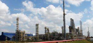 Três grupos brasileiros e estrangeiras estão mirando a refinaria da Petrobras no estado do Paraná (Repar)