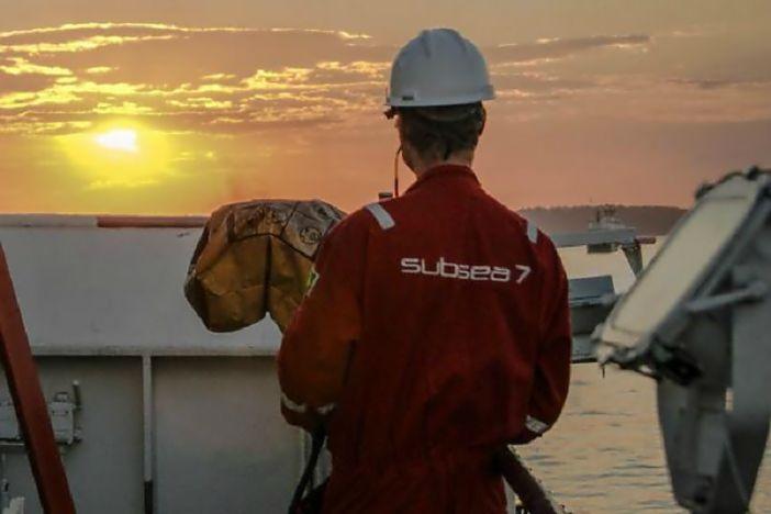 Multinacional Subsea 7 abre vagas offshore no Rio de Janeiro com embarque em navio PLSV para atender contratos temporários da indústria de petróleo e gás