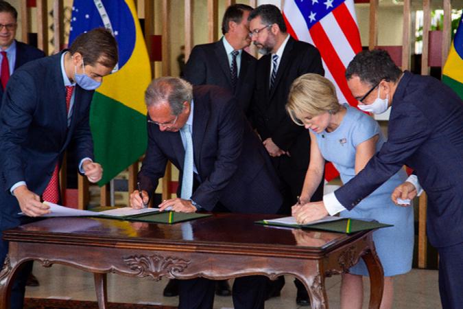 EUA investirá no Brasil 1 bilhão de dólares em projetos de óleo e gás, infraestrutura, mineração, reforma da usina nuclear Angra 1 e telecomunicação