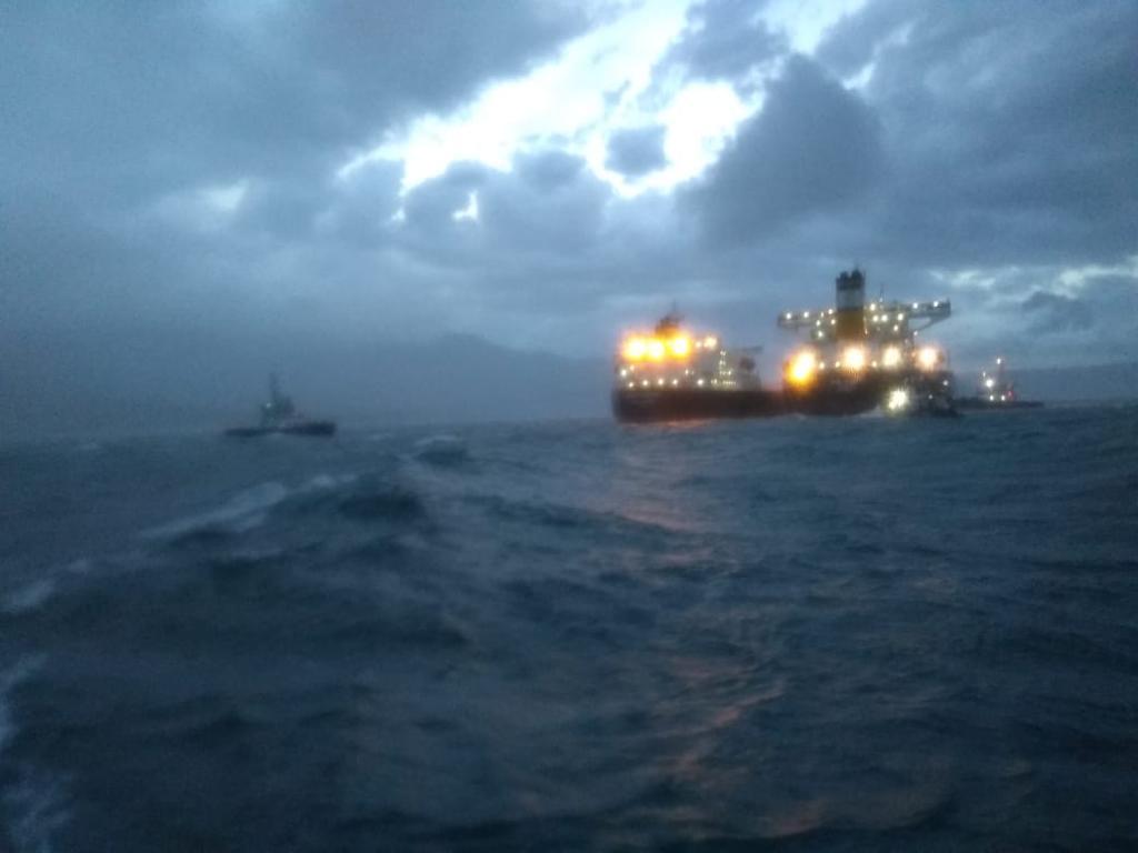 Mar agitado navio práticos bravura prêmio
