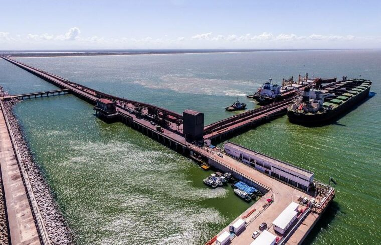 Porto do Açú Ferroport Minério Ferro Navio