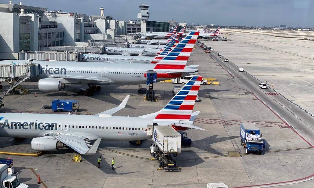 Duas gigantes da aviação anunciam o corte de 30 mil empregos após fracasso de negociações com governo