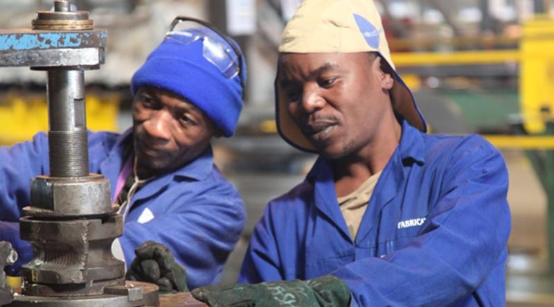 50 vagas de emprego são abertas para atender demanda de manutenção para profissionais nos cargos de técnico, eletricista, mecânico e mais