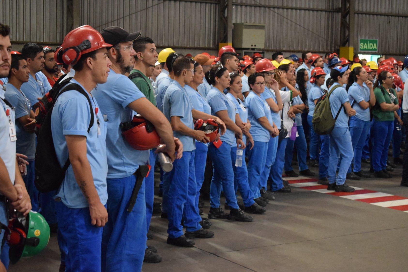 200 vagas de emprego abertas por fornecedora de itens para a construção civil para operadores, ajustadores, supervisores e mais