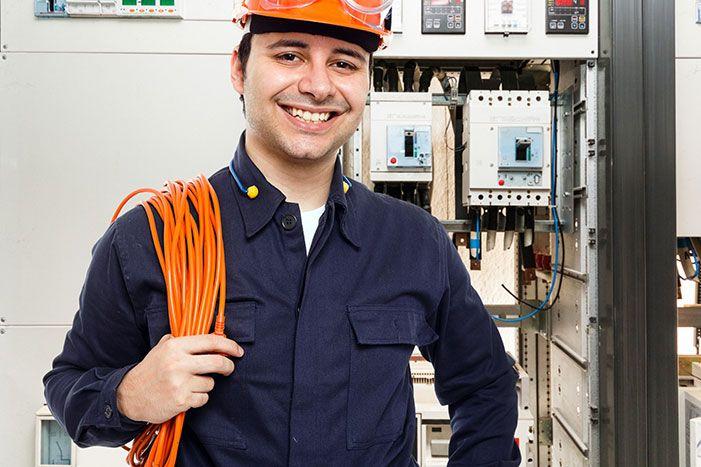 Vagas de emprego sendo ofertadas pela maior empresa privada de energia elétrica do Brasil, neste dia 03