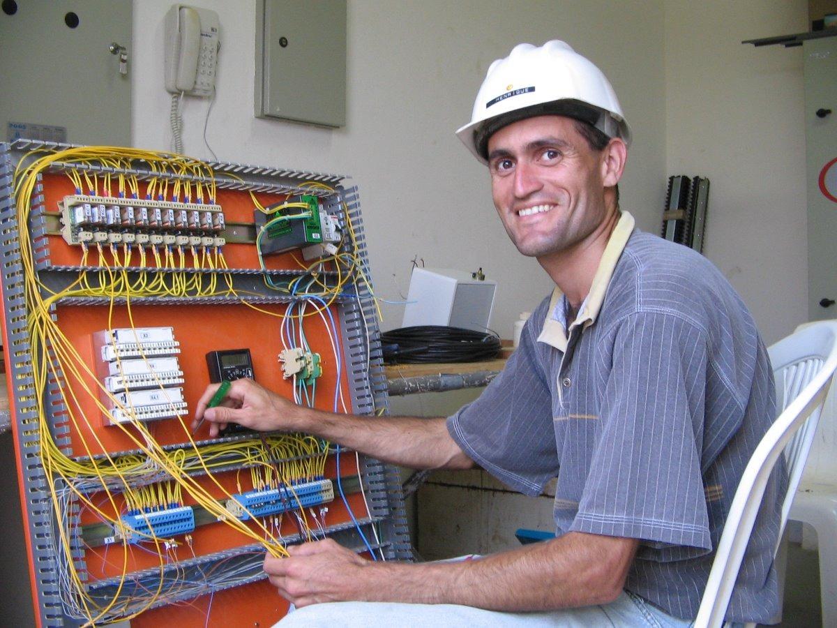 Eletricista - Coelba - curso gratuitos