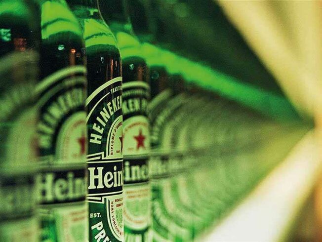 Heineken, finanças, logística, emprego
