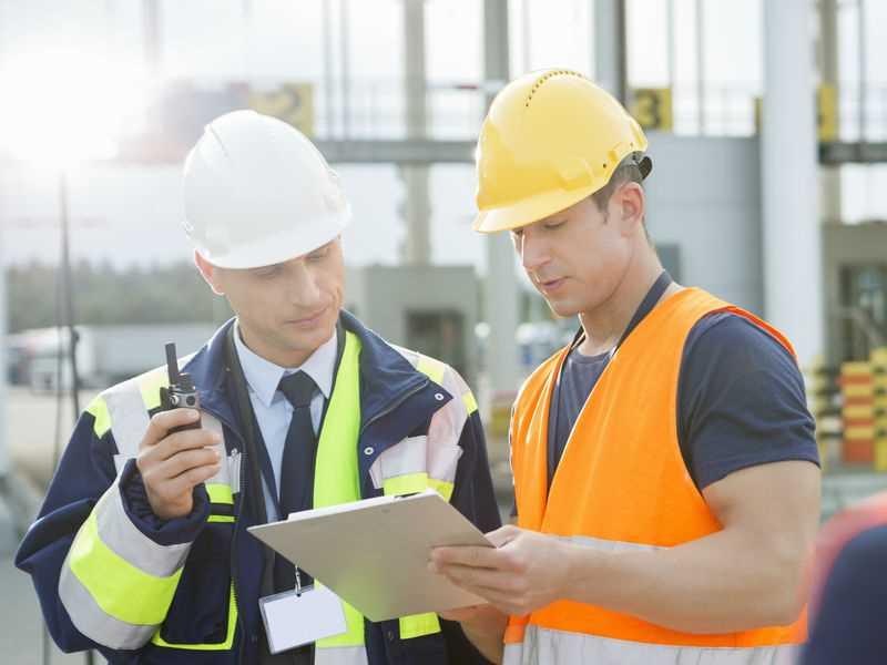 Indústria da Bahia abre vagas de emprego para profissionais de ensino médio e técnico para as áreas de logística e industrial