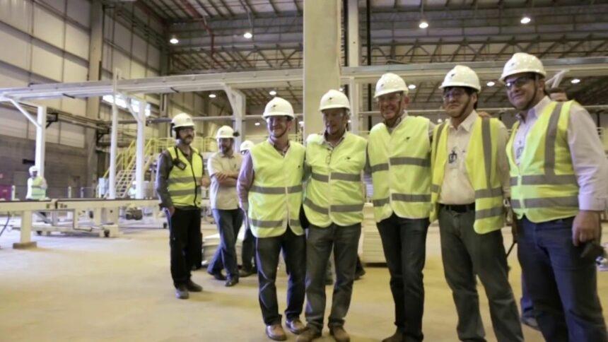 A companhia Klabin Papel e celulose do Brasil abre vagas de emprego para mecânico, operador, técnico e mais cargos, neste dia 03