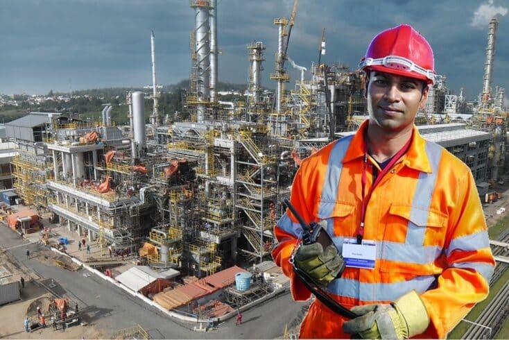 Contratos para trabalhar na refinaria da Petrobras REFAP demandam vagas de emprego para operador, eletricista, mecânico e muito mais, neste dia 10