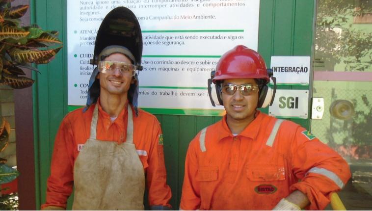 Técnicos das áreas de estrutura e construção naval são requisitados para oportunidade de emprego em Niterói por prestadora de serviços na indústria de petróleo e gás