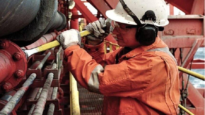 Cetep Macaé abre mais de mil vagas em cursos offshore gratuitos de qualificação profissional