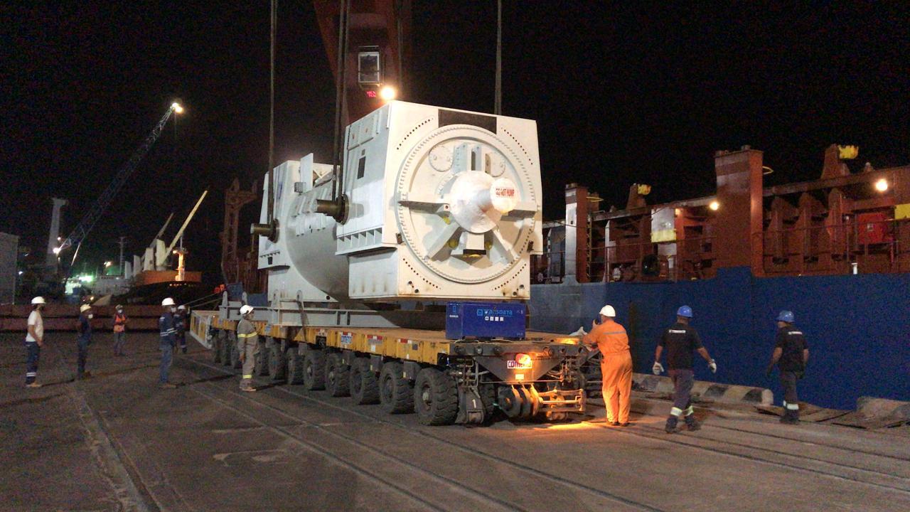 Construtora Techint transporta gerador gigantesco para Usina Termoelétrica Parnaíba V, da Eneva