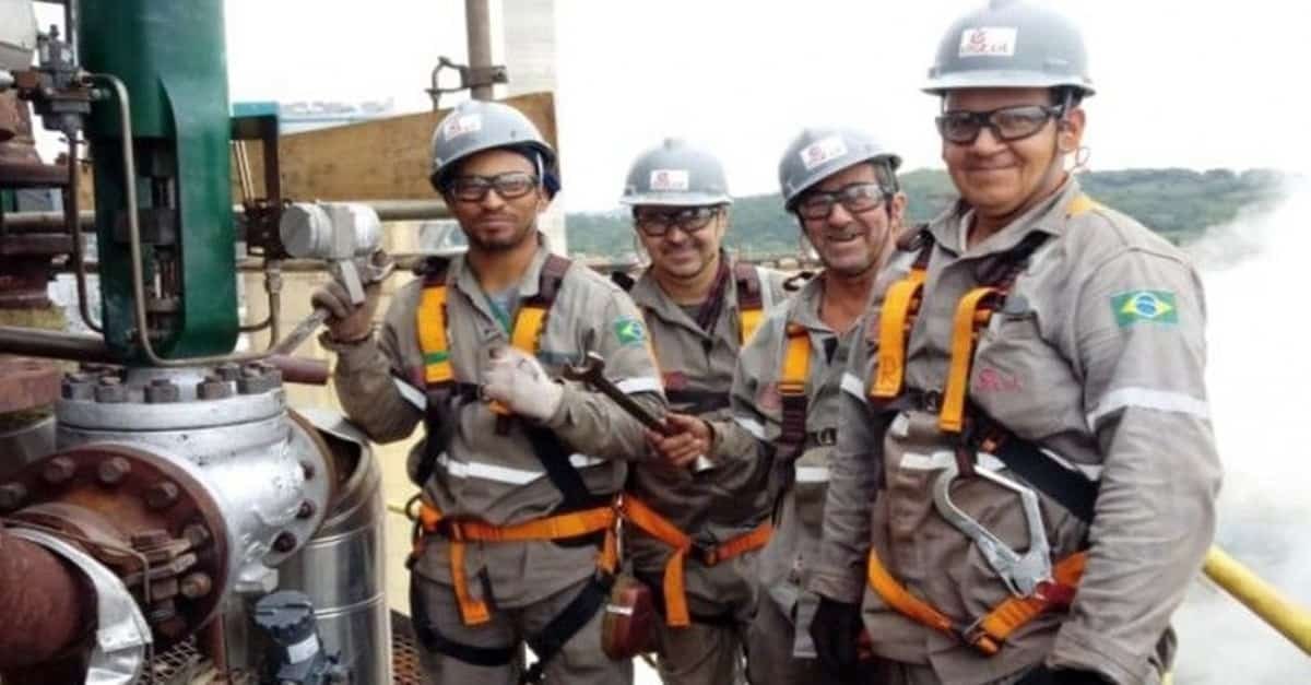 Vagas de emprego de ensino fundamental e médio abertas no Paraná pela empresa de Engenharia para obras de montagem industrial Estel