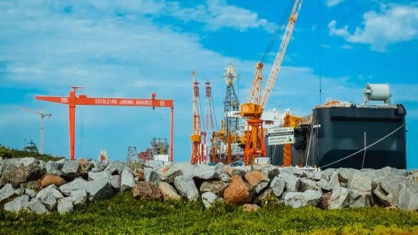 Estaleiro de construção naval Jurong Aracruz, no ES, inicia vagas de emprego para técnicos e engenheiros com experiência em projetos FPSO