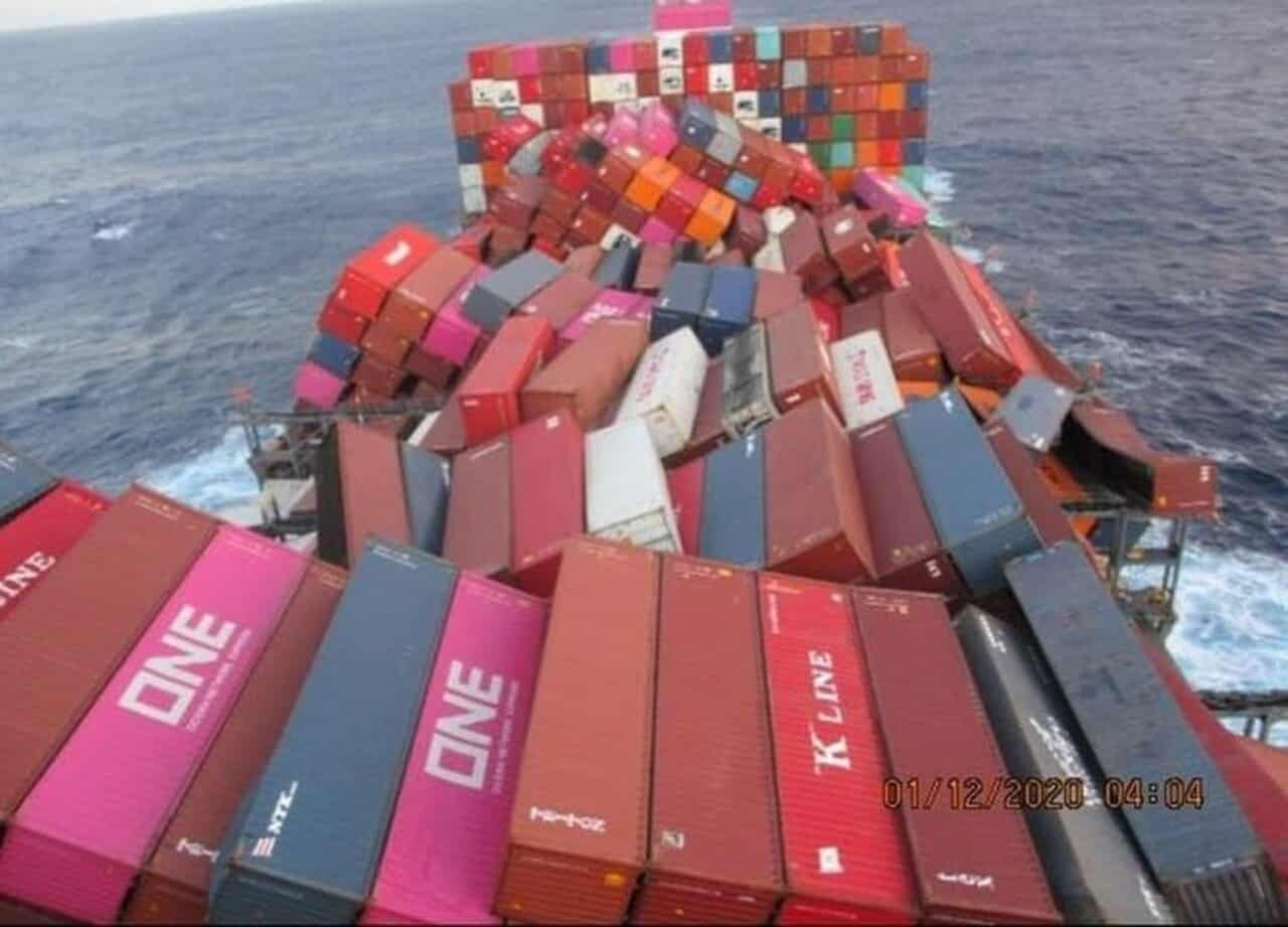 Contêineres - navio - mar