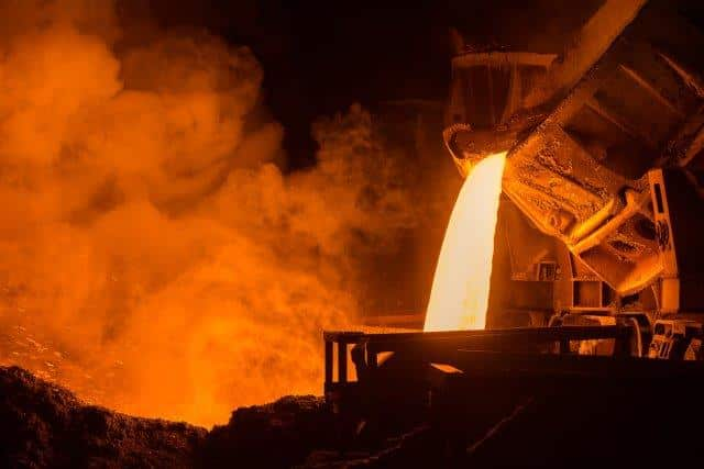 Petróleo, siderúrgica
