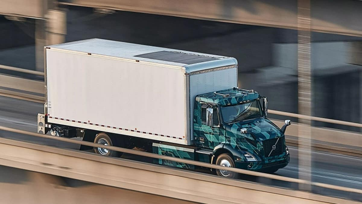 Volvo - caminhão elétrico - construção civil